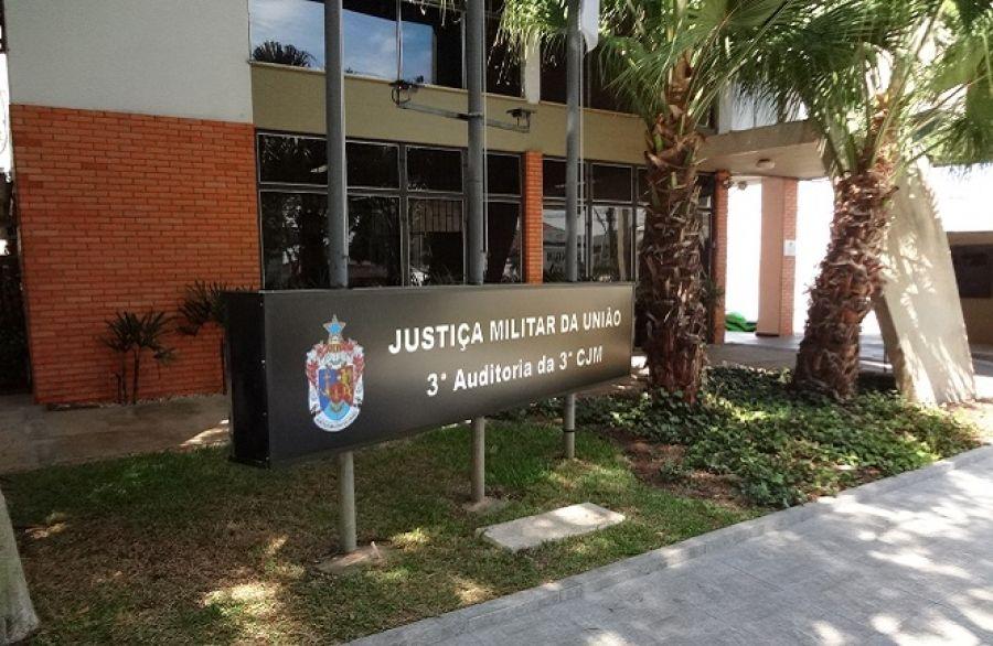 Justiça Militar condena mulher a um mês de detenção por uso indevido de uniforme do Exército